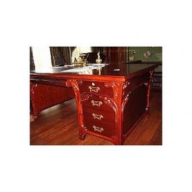 Виготовлення ексклюзивного письмового столу в кабінет з червоного дерева