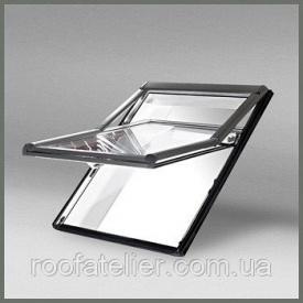 Мансардне вікно Roto Designo R7 з піднятою віссю повороту стулки