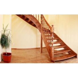 Лестница на деревянном каркасе