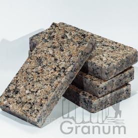 Пиляна бруківка з Жадківського граніту