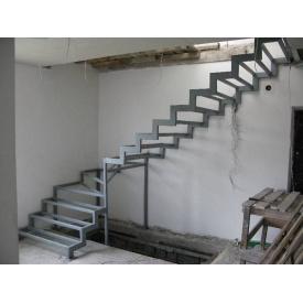 Лестница с перилами подвесная крутоизогнутая