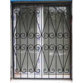 Установка металевої решітки на вікно
