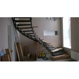 Лестница с перилами П-образная подвесная