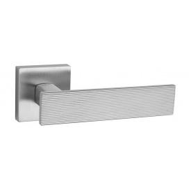 Дверна ручка TUPAI LINA 4 3042Q Матовий хром