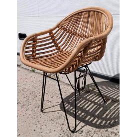 Плетенное кресло Cruzo Ники из натурального ротанга на металлокаркасе