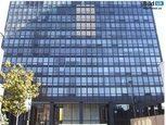 Світлопрозорі фасади будівлі