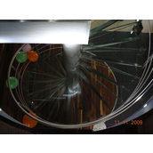 Лестница стеклянная винтовая