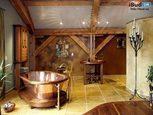 Интерьер ванной комнаты в деревянном доме