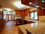 Дизайн кухни на мансардном этаже