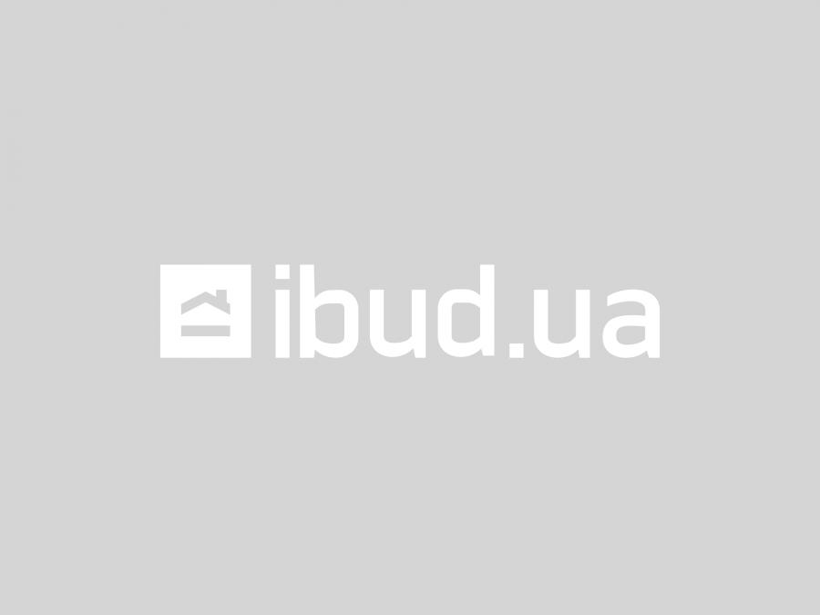 Кухня в заміському будинку