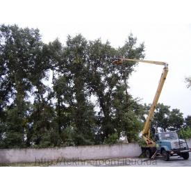 Кронування дерев з автовишки
