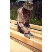 Строгание деревянных частей карниза
