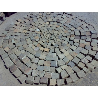 Колотая брусчатка из песчаника 100*100*50 мм серая