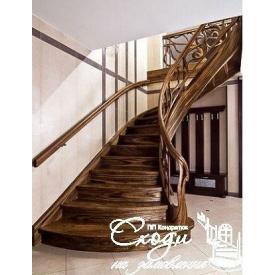 Дерев'яні сходи в англійському стилі