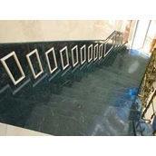 Лестница из мрамора Verde Guatemala зеленая