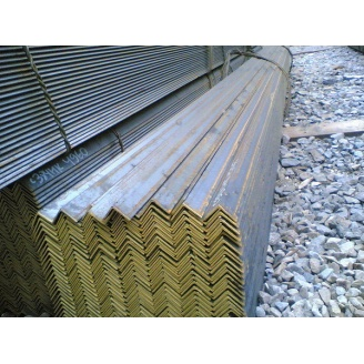 Уголок стальной горячекатаный 40х40х3 мм