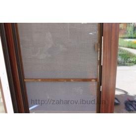Москитная сетка на двери коричневая
