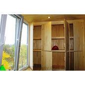 Шафа для балкона дерев'яна