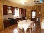 Кухонная мебель для загородного дома