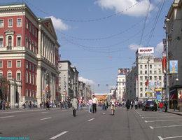 В Москве моют дороги шампунем и следят за использованием земли с беспилотников