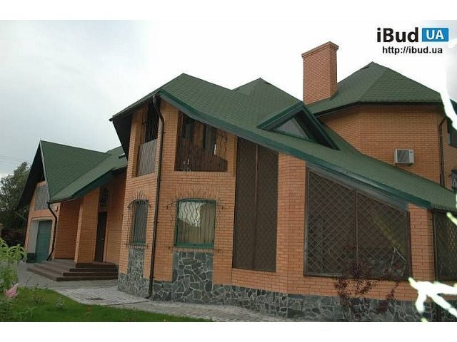 дома с зелёной крышей фото