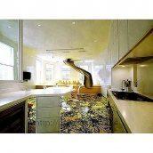 Устройство наливного покрытия на кухне