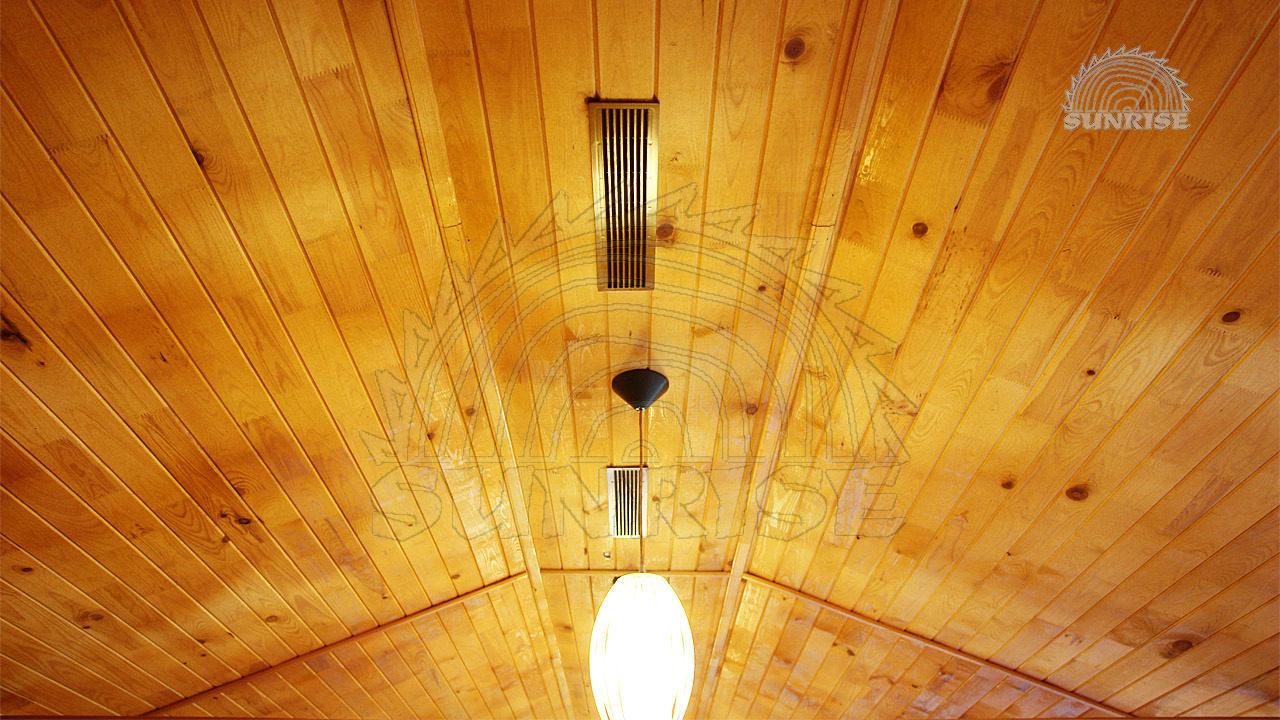 Вагонка дерев'яна сосна - укладання на стелю