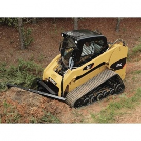 Будівництво басейну міні-навантажувачем Caterpillar 259 B3