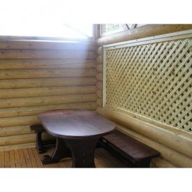 Дерев'яний стіл з лавкою для альтанки