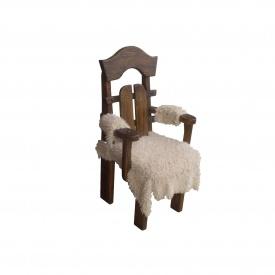 Стул-кресло из дерева