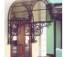 Козырек кованый для балкона