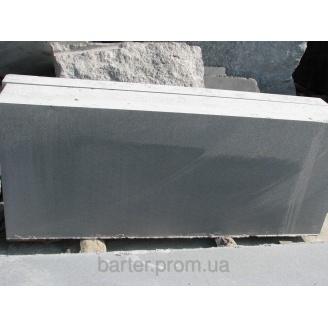 Бордюр гранітний з лабрадориту ГП-2 180х400 мм