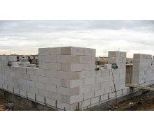 Кладка газобетонных блоков при возведении стен здания