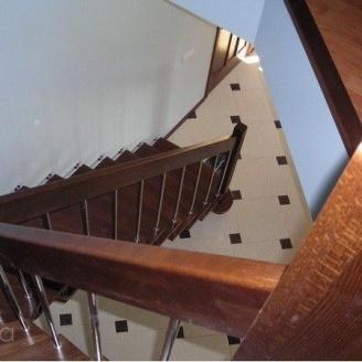 Изготовление деревянной лестницы на больцах