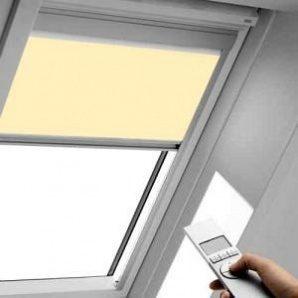 Рулонна штора VELUX RML M08 з електроприводом 78х140 см