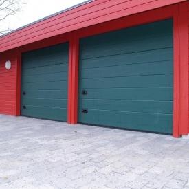 Ворота гаражные секционные Ryterna R40 woodgrain широкий гофр RAL 6009