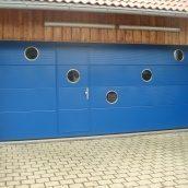 Ворота гаражные секционные Ryterna R40 slick микрополоса RAL 5010
