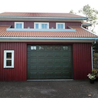 Ворота гаражные секционные Ryterna TLB woodgrain филенка RAL 6009