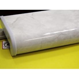 Пластиковый подоконник Plastolit светлый мрамор глянцевый