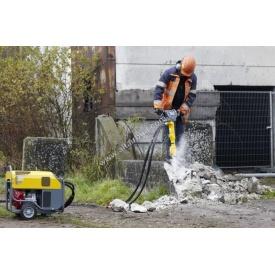 Демонтаж фундамента при использовании строительной техники и навесного оборудования