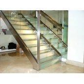 Сходи скляні Тріумф Захід з металевими поручнями і сходинками