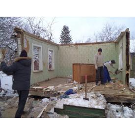 Демонтаж дерев'яних будинків