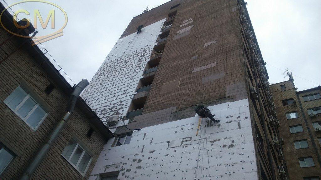 Утеплення фасаду пінопластом, декоративне фарбування стін