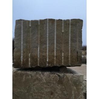 Блок из песчаника для распиловки 3 м3