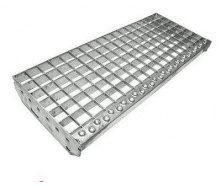 Решетчатая ступень из стали 600х205 мм