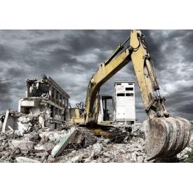 Демонтаж старого будови екскаватором