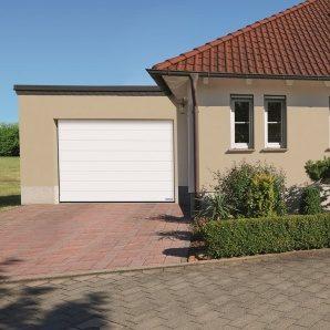 Ворота гаражні секційні Hormann RenoMatic 2500x2500 мм sandgrain RAL 9016 білий