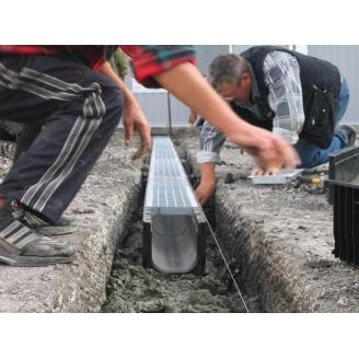 Устройство лотков водоотведения