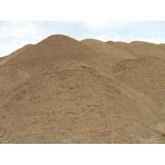 Пісок кар'єрний дрібнозернистий насипом