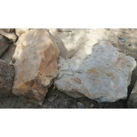 Камень кварцито-песчаник насыпом бежевый